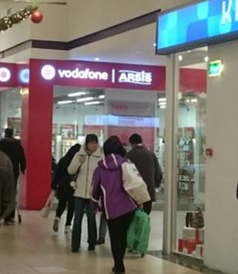 Vodafone: Tot bulangii, tot cu clauze de reziliere o ard