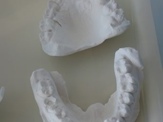 Dinți și logică medicală
