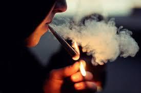 Una scurta cu tigari