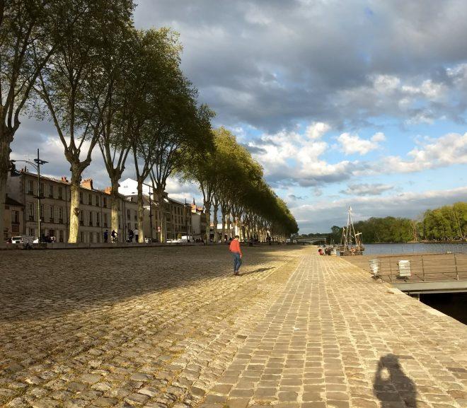 Povestiri din pribegie. 2 vinuri și restaurante din Orléans.