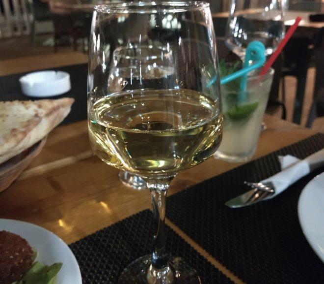 Vin: Cave Kouroum – Blanc Perle