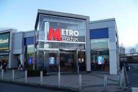 Scurt: Banking UK. Ep. 3 cu Metro
