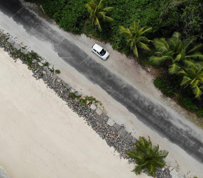 Mașini în Seychelles: Hyundai i10, greu la deal cu boii lipsă